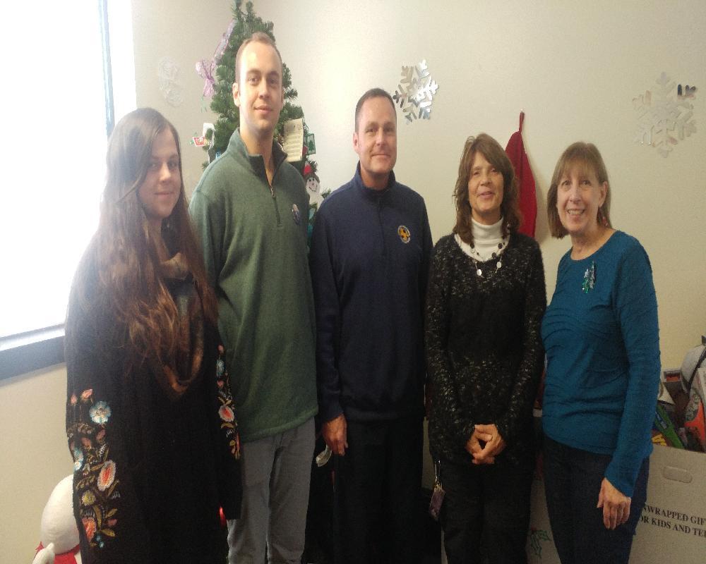 Volunteering at 2017 Hillside Special Santas